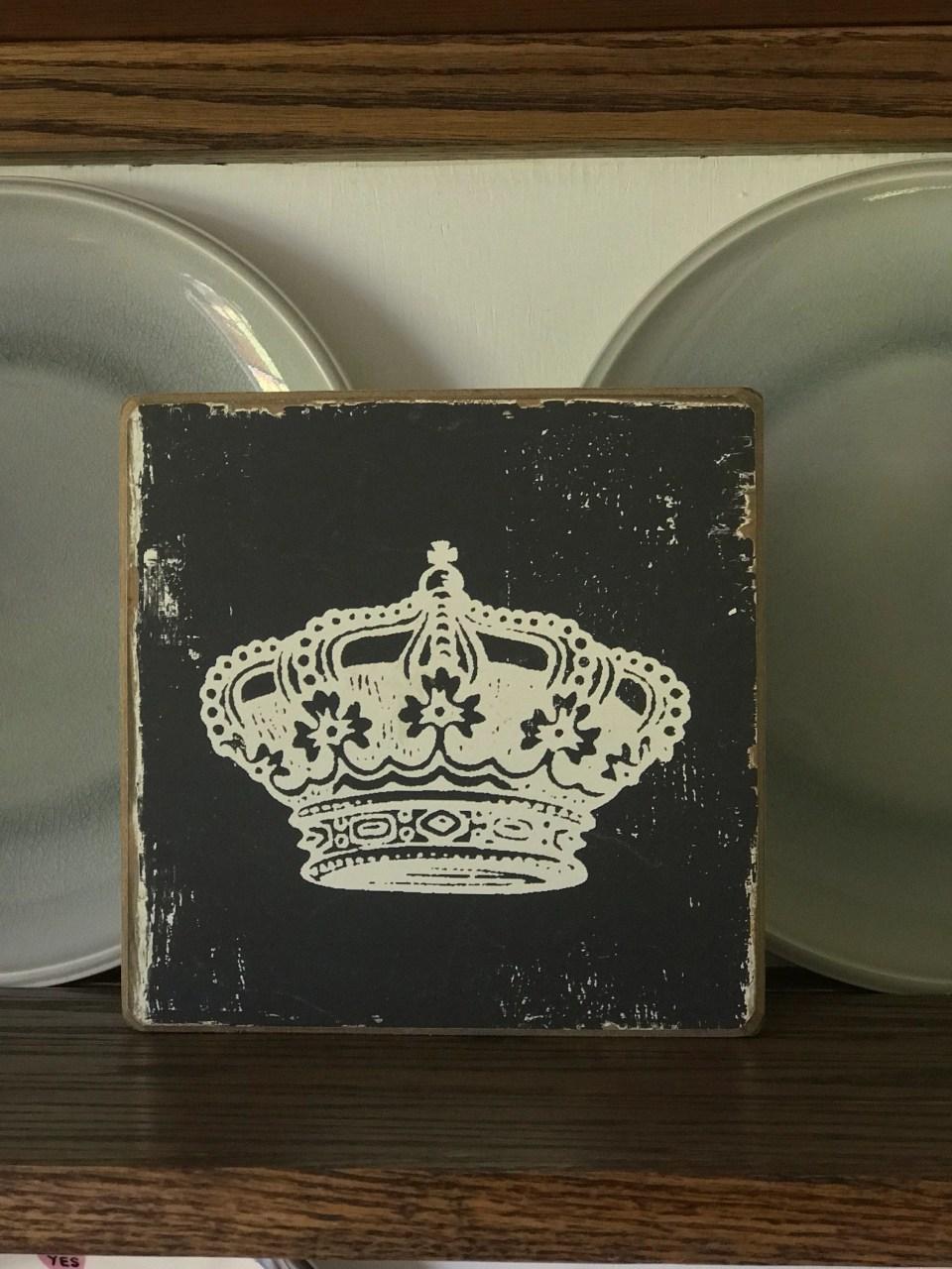 Crown accent piece