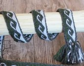 tablet woven belt kivrim pattern, wool binder for viking reenactment, accessory for medieval living history, middleage dress decoration
