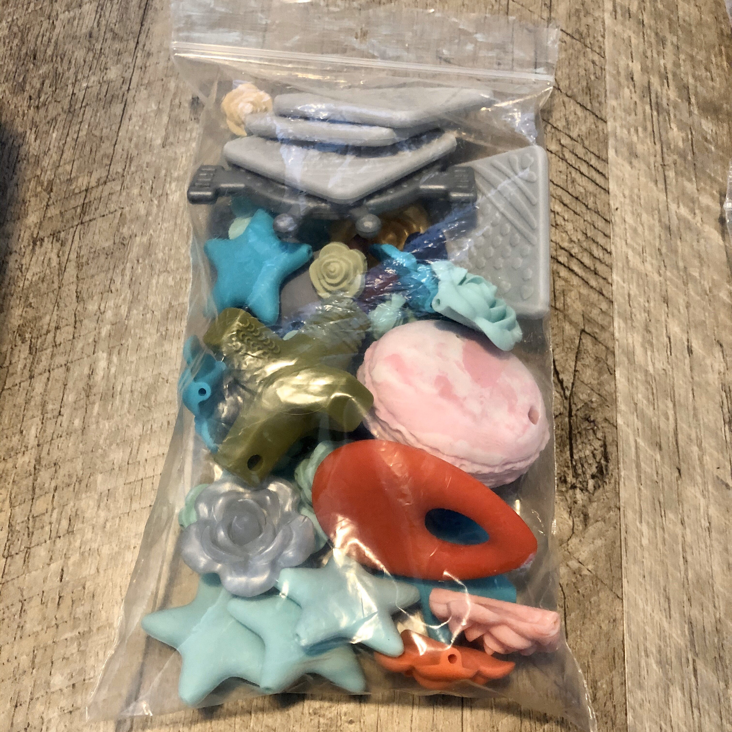 Loose teething beads random assortment  15mm 12mm 17mm assorted accent bead