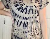 "XXL H&M ""Love"" Bleach Tie-Dye Short Sleeved Black T-Shirt"