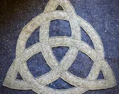 Triquetra/Circle Large Cowl (Wool)