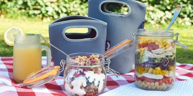 Lunchbox in shabby chic d...