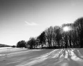 Winterbild Landschaft, schwarz weiß Wandbild, Fine Art Print, Fotografie schwarz weiß, Druck Natur schwarz weiß, Natur Foto,  Foto Wald