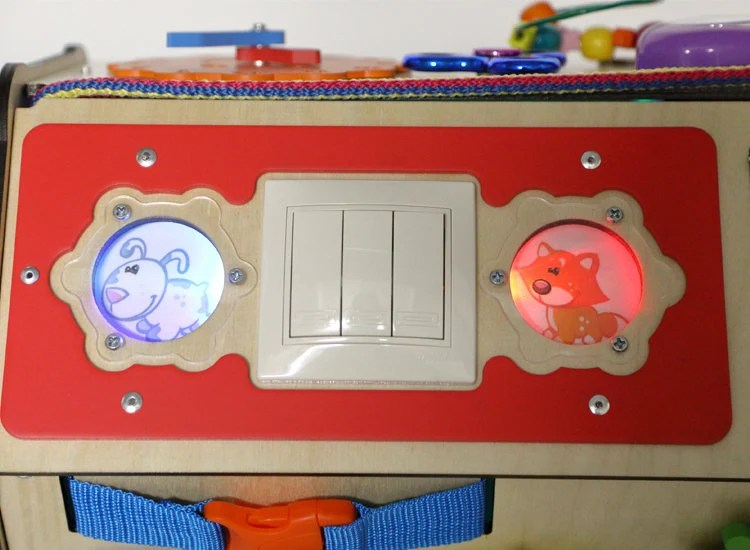 Montessori busy box for toddlersbusy board diy Maison +lighting effect