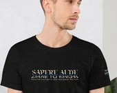 Sapere Aude - Dare to Know - Be Brave Enough To Hear and Speak the Truth. Quote T-Shirt. Chrome.