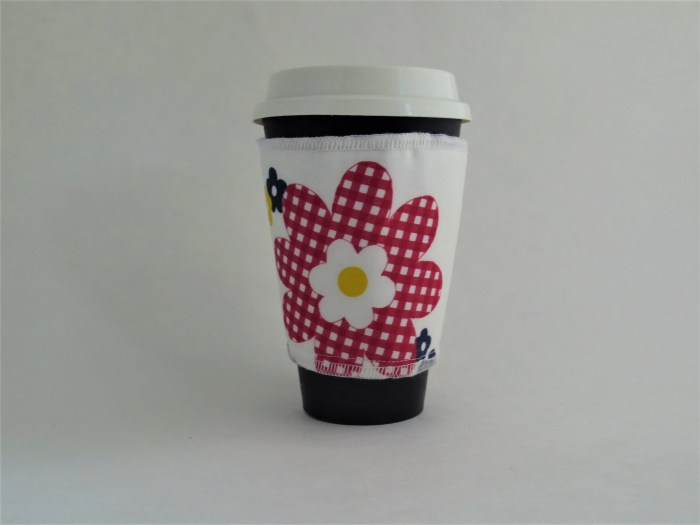 Red Gingham Flower Coffee...