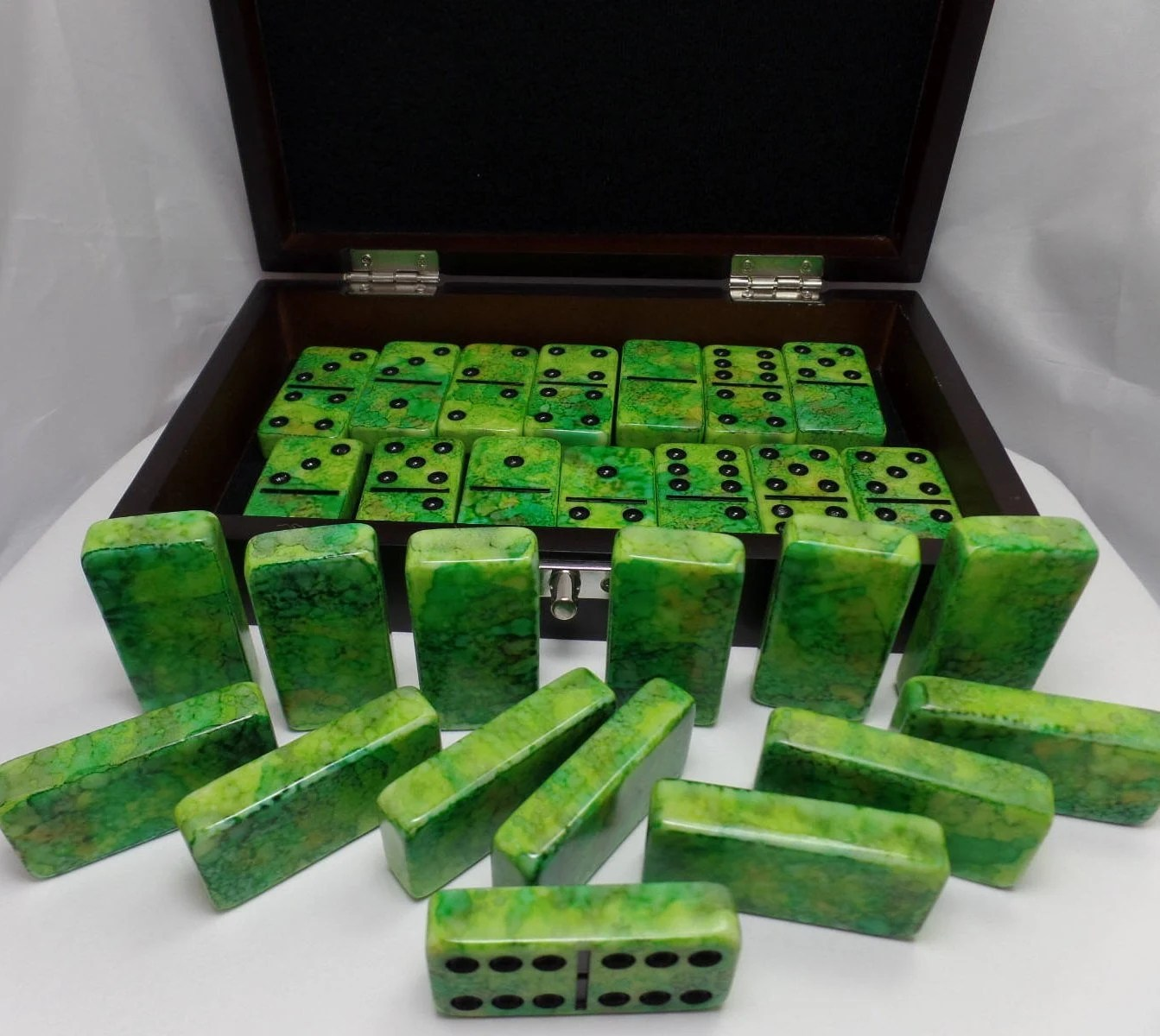Dominoes I Wanna Iguana Hand Painted 28 Piece Deluxe