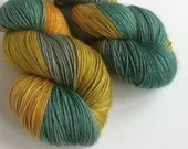 Hand dyed yarn, baby came...
