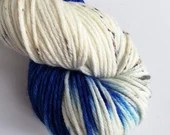 Hand dyed yarn - 100g superwash merino worsted weight wool yarn. Blue Amanita, blue and speckled yarn, hand dyed rios, variegated indie yarn