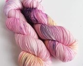 Hand dyed sock yarn, 75/25% superwash merino/nylon sock fingering 4ply weight yarn, variegated pinks purples orange, indie dyed sock yarn