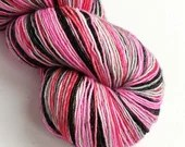 Hand dyed yarn, singles superwash merino 4ply wool yarn, variegated pink grey black wool yarn, fingering weight, knitting wool, crochet yarn