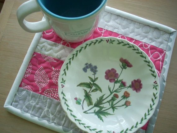 mormor snack in pink and grey - FREE SHIPPING