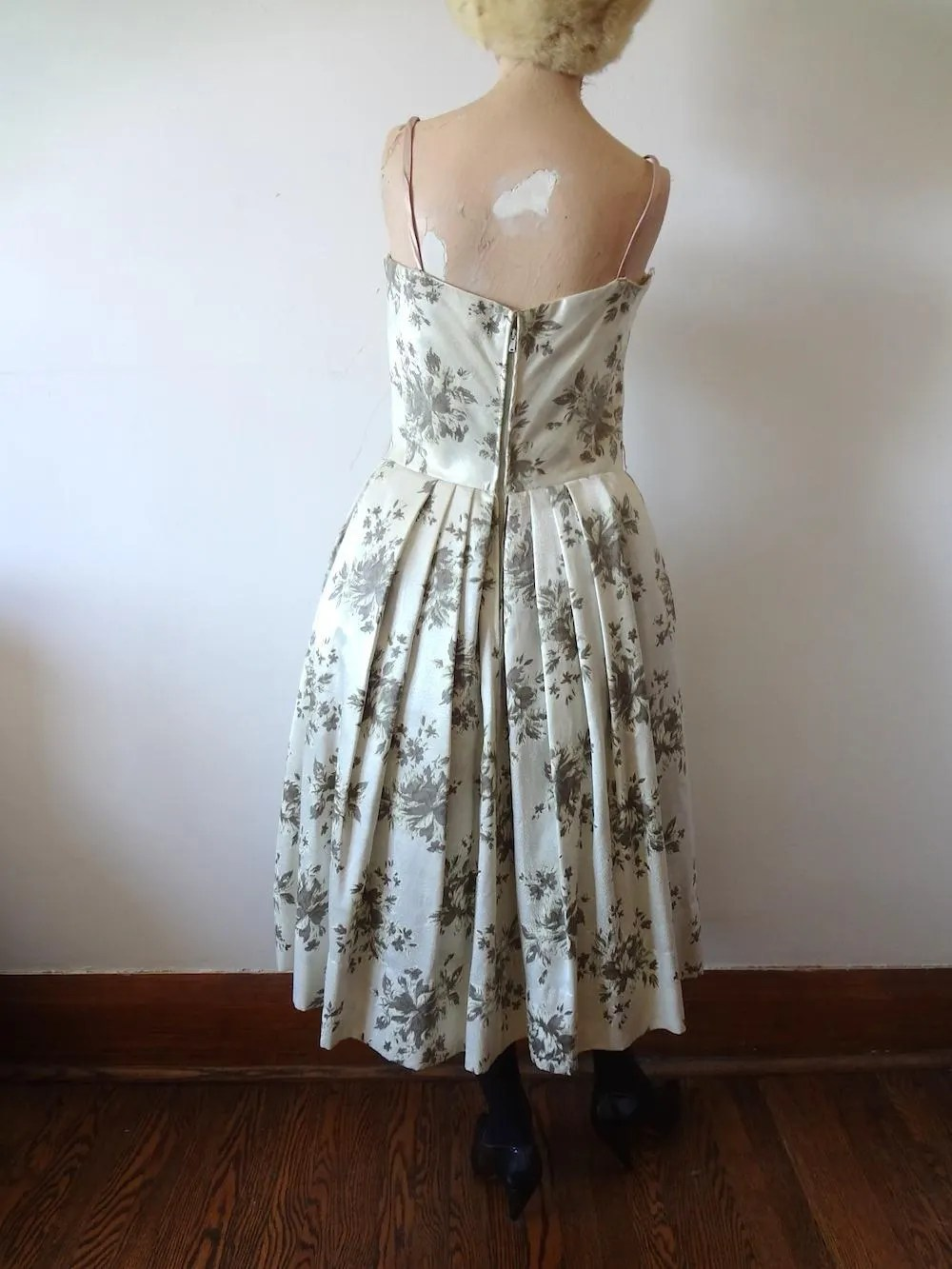 I won money in cutie garden & how to withdraw money to my bank/paypal? 1950s Party Dress / Lorrie Deb floral print silk satin