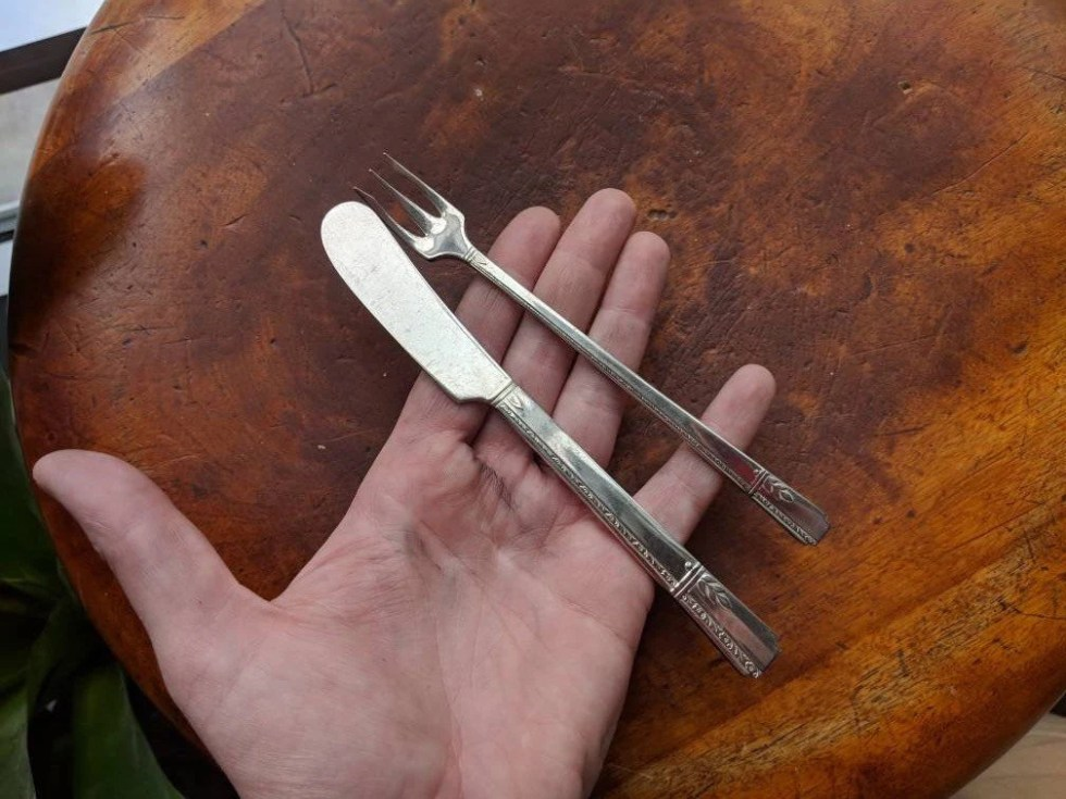 Silver Cheese Knife and A...