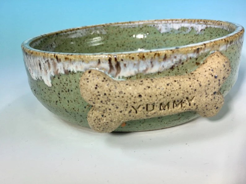 "Turquoise Dog Bowl with ""Yummy"" Bone // Medium Handmade Dog Food Dish // Gifts for Dogs or Dog Lovers - READY TO SHIP"