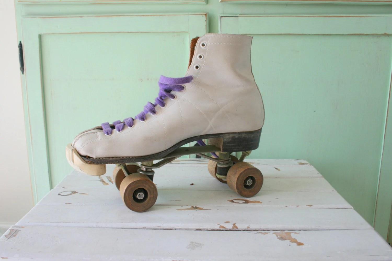 patins a roulette vintage retro pacer maitre de la patinoire patins a roulettes patinage chaussures patins retro des patins violet blanc