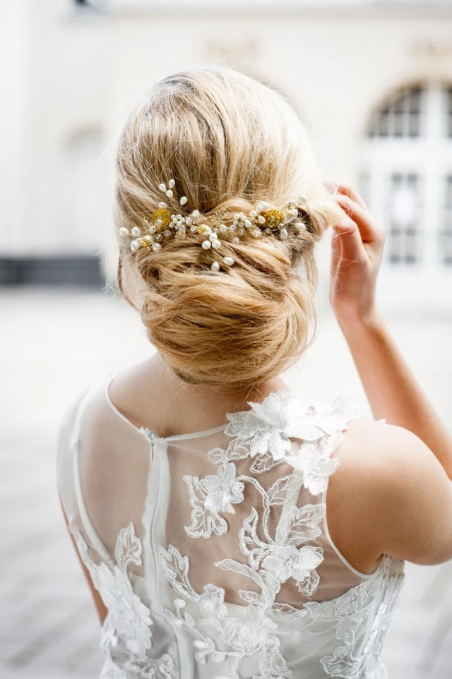 gold hair piece for bride to be. nyc bride hair comb. wedding hair accessories online. bridal hair vine. affordable bridal hair piece