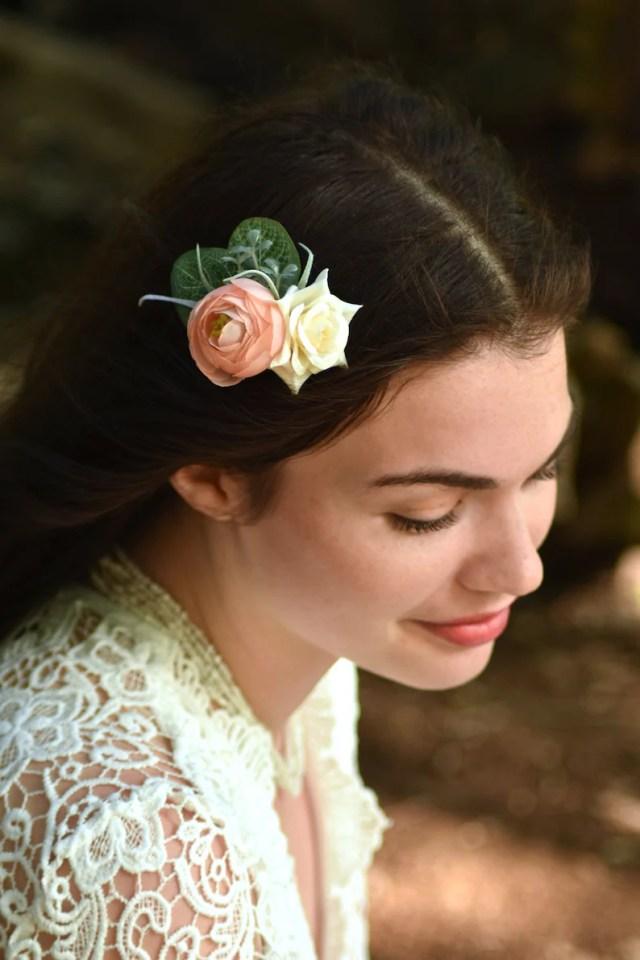 flower hair clip in peach and ivory | ranunculus hair clip | bridal hair clip | bridesmaid hair clip | blush flower hair clip