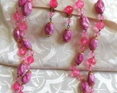 Stunning Vintage Pink Double 2 Strand Choker Necklace & Drop Dangle Earrings Jewelry Demi-Parure Set Swirl Marbled Beads Clear Faceted