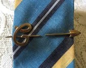 Vintage Rare EXPANDING Tie Bar with Large Letter G Monogram Name Initial on a Gold Arrow Signed HICKOK USA 1950s Mens Shirt Accessory