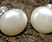 Vintage Large Ivory Pearl...