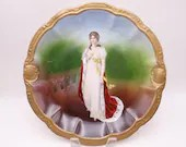 Large Hand Decorated 1895 to 1910 Vintage Porzellanfabrik Moschendorf PM Bavaria Factory Decorated Queen Louise of Prussia Portrait Plate