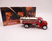 MIB Vintage Matchbox YFE11 Models of Yesteryear 1921 Mack AC Water Tanker Fire Engine Diecast Model Fire Truck