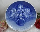 """1980 Large Bing and Grondahl B&G Christmas Jubilee Collector Plate """"Happiness over The Yule Tree"""""""