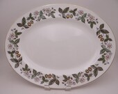 "Near Mint Vintage Wedgwood English Bone China ""Strawberry Hill"" 15"" Oval Serving Platter"