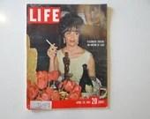 Vintage 1961 Life Magazine, April 28, Elizabeth Taylor an Oscar at Last - Cuba - Baseball