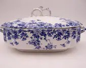 """Antique James Kent English Bone China Flow Blue and White """"Clyde"""" Covered Vegetable Dish Tureen"""