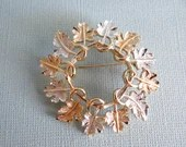 Vintage Signed Sarah Coventry Silver and Gold Tones Leaf Wreath Brooch Pin - Beautiful