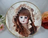 """1991 Franklin Mint Heirloom Recommendation Hanau Doll Museum """"Colette"""" - Limited Edition Collector Plate"""