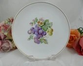 """1960s Hutschenreuther Fruit Salad Plate """"Grapes"""" Lovely"""