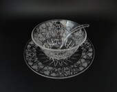 New Martinsville Florentine Etched Glass Mayonnaise Bowl with Glass Ladle and Underplate for Elegant Dining with Harp & Grape Design