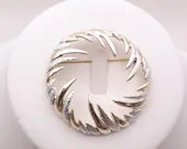 Vintage Sarah Coventry Textured Silver and Gold Tone Round Brooch Pin - Pretty Sarah Coventry Brooch on a Gold Tone Setting Classic Elegant