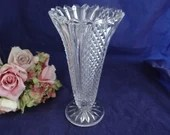 """Crystal Flower Vase with Fluted Pointed Edge and Diamond Pattern 5.25"""" Vase for Flowers"""