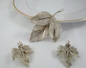 1950s Vintage Signed BSK Goldtone Leaf Matching Brooch and  Clip Earrings set
