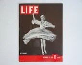 """Vintage 1939 Life Magazine WWII Wartime Issue December 11 """"Betty Grable""""  - Japanese Capture of Nanning - Western Front - Cole Porter"""