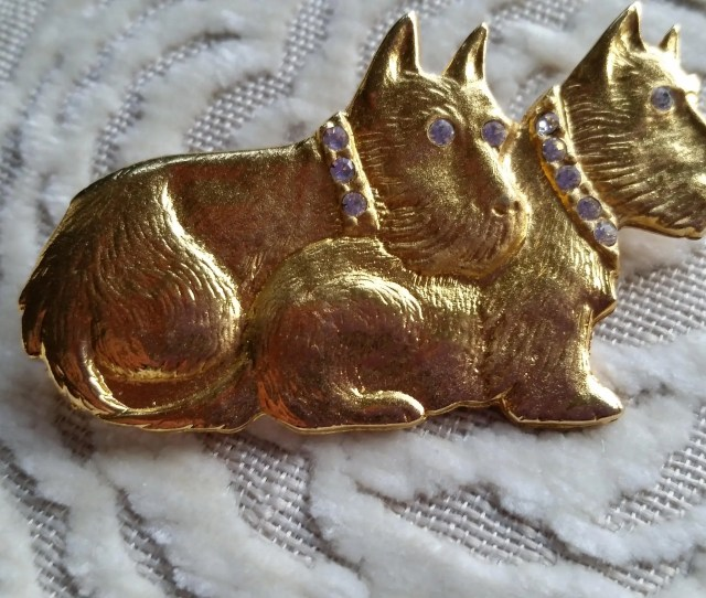 Double Sitting Scotty Dog Goldtone Pin Brooch With Rhinestone Collars And Eyes