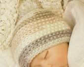 Baby 3-6 month Beanie in 'Linen' w/pom