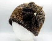 Flower Beanie in 'Sand Dune'