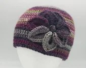 Flower Beanie in 'Moors'