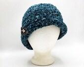 Velvet Flapper hat in 'Teal'