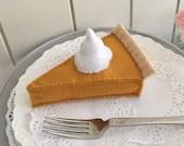 Pumpkin Pie, play food, felt food, felt pie, thanksgiving toy, pretend play, thanksgiving, play kitchen, bakery toy