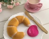 Felt play food, croissant, felt pastry, strawberry jam, breakfast food, Play Kitchen, bakery toy, Play Shop, Tea Party, pretend play