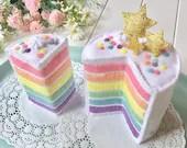 Mini Rainbow Cake, Felt Layer Cake, Play Food, Pretend Food, Pretend Play, Layered Cake, Tea Party, Stars, Gold stars, Felt Food, Birthday