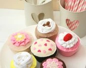 Felt Cupcakes, Play Food, Felt Food, Pretend Food, Play Cupcakes, Handmade Gift for Children and Cupcake Lovers! Set of 6 Original Designs