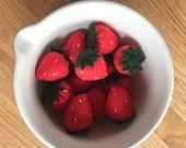 Felt play food strawberries, felt fruit, healthy food, pretend food, play kitchen, bakery toys, foodie toys, play shop