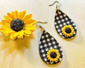 Black and White Gingham - Buffalo Check Teardrop Leather Earrings - Sunflowers